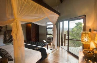 Rhino Ridge Safari Lodge - room
